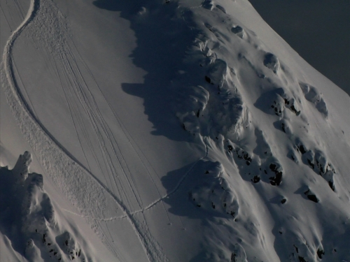 The Signature: the snowsurf artist Taro Tamai and his canvas